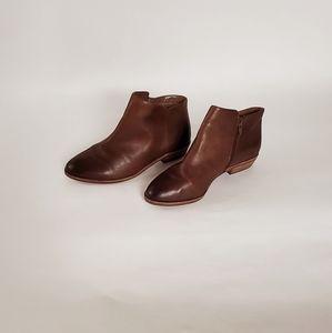 NWOB Alex Marie Brown Leather Booties